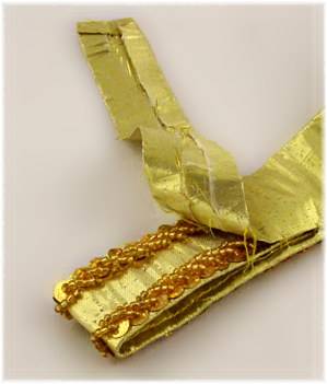 Photo 5: Folding under strap