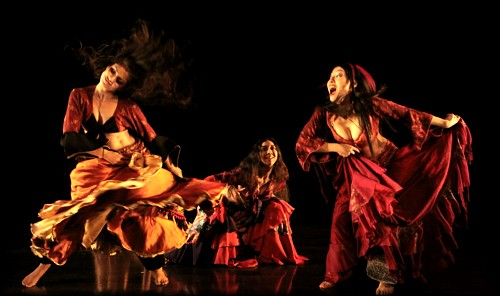 Bellyqueen Dance Theatre does Mastika