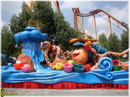 our float for the Chinese Independence Celebration parade (daily for almost two weeks)