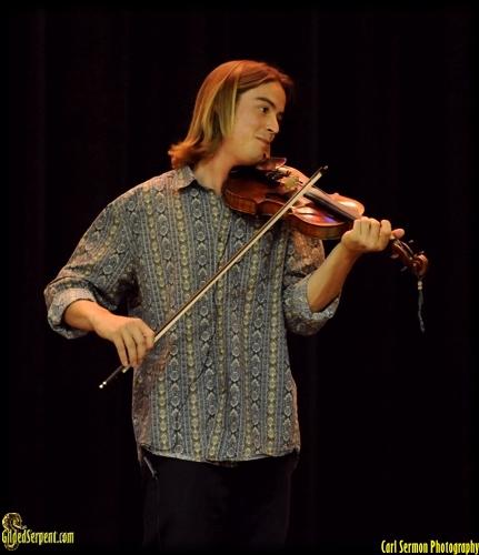 Feldhouse Violinist